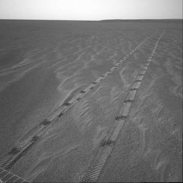 Opportunity, tracks. Image credit NASA/JPL.