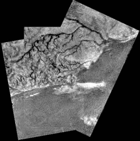 Huygens descent image. Image credit ESA/NASA/University of Arizona.