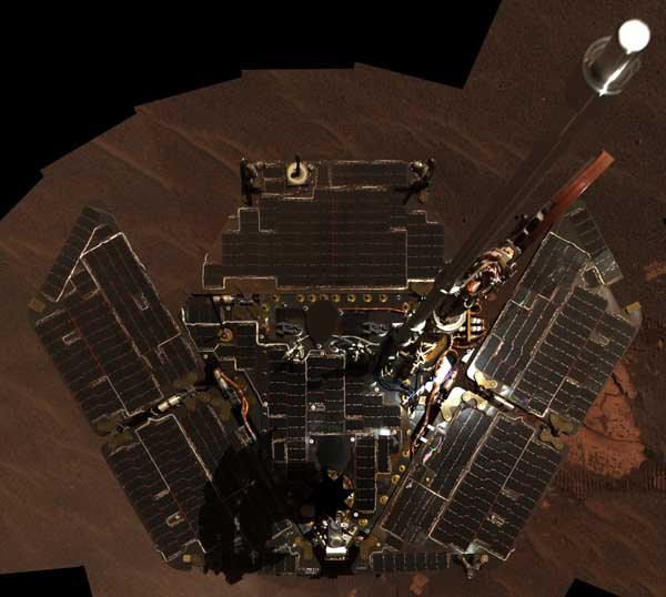 Opportunity takes a picture of itself. Image credit NASA/JPL.